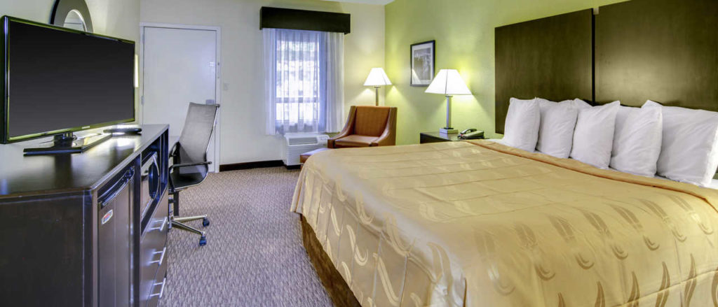 A single bed room at Quality Inn Asheville Downtown Tunnel Rd.