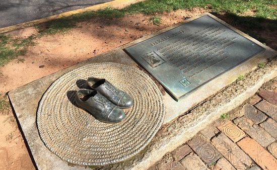 A sculpture of Thomas Wolfe's shoes.